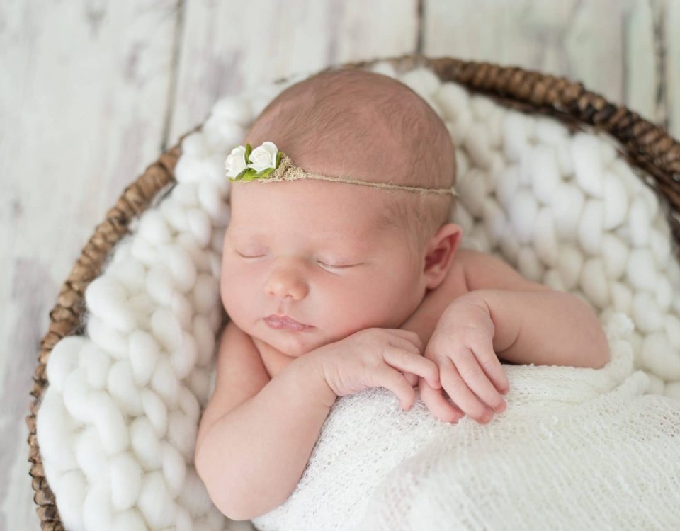 Lafayette Indiana Newborn Photos | Softball Newborn Photos | Lafayette Indiana Photographer | Luminant Photography | Ailyn Fry | Newborn Photographer