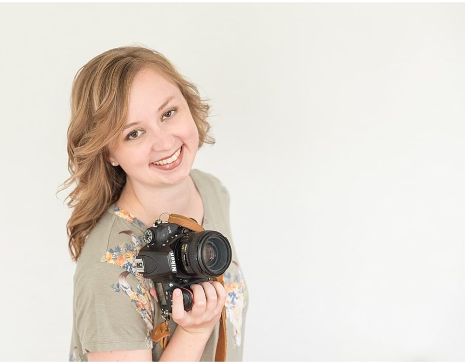 Victoria Rayburn is a wedding photography in Lafayette, IN. Use her 11 steps to turn your side hustle into a full-time job.