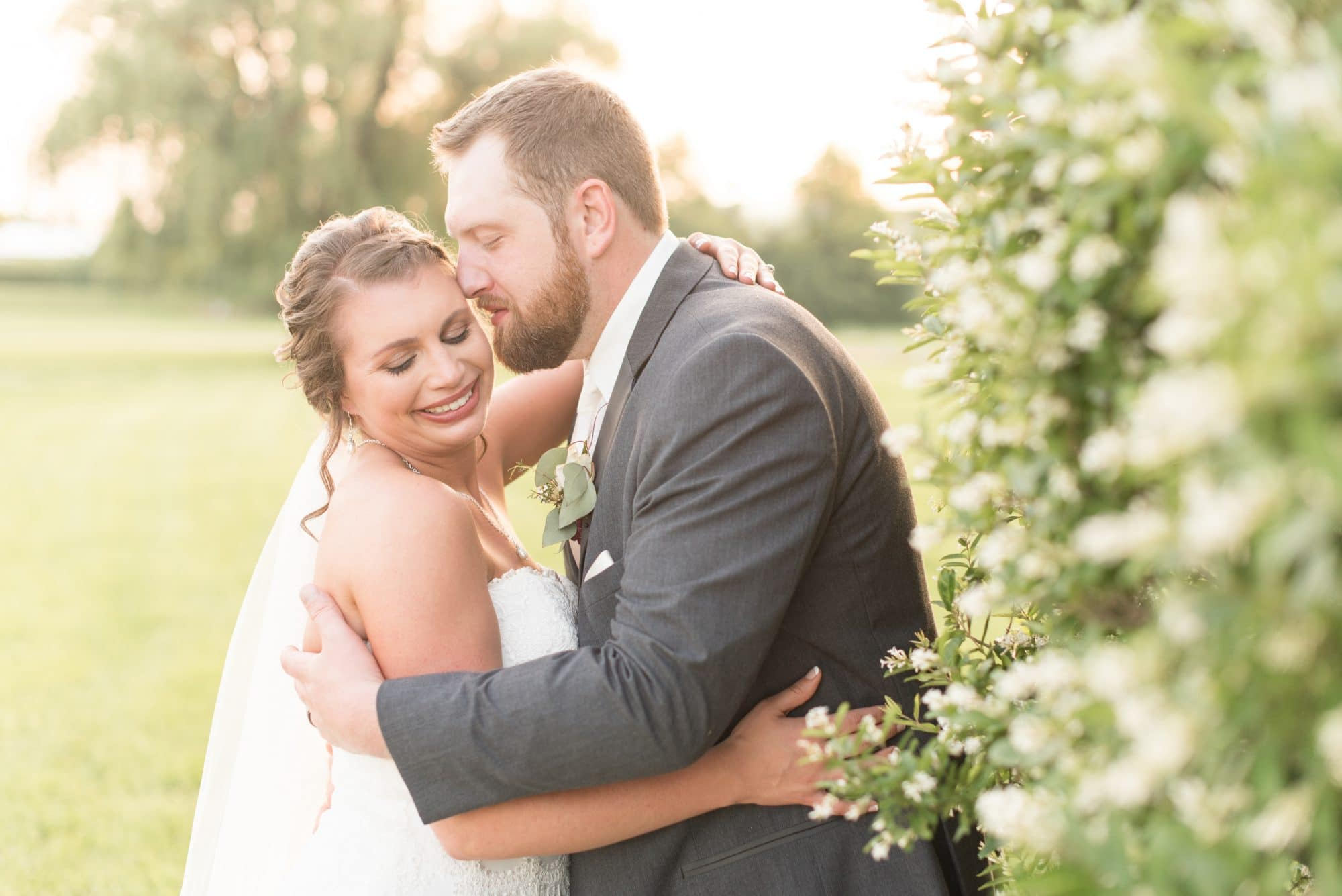 Lafayette, Indiana wedding photographer Victoria Rayburn photographed the Gall wedding at Amish Acres.
