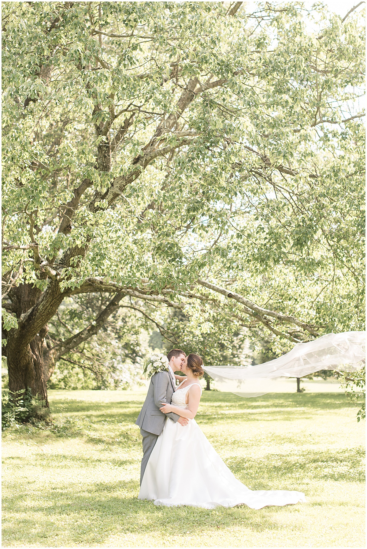 Wedding photos at Holliday Park in Indianapolis