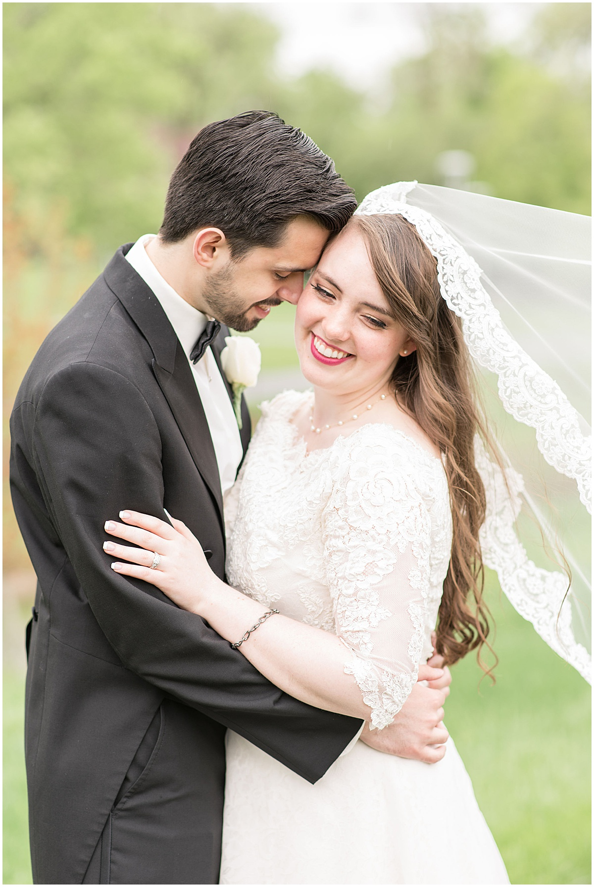 Wedding in Greenwood, Indiana photographed by Victoria Rayburn Photography