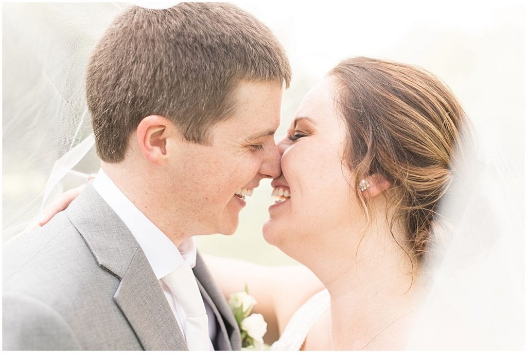 Wedding in Indianapolis photographed by Victoria Rayburn Photography