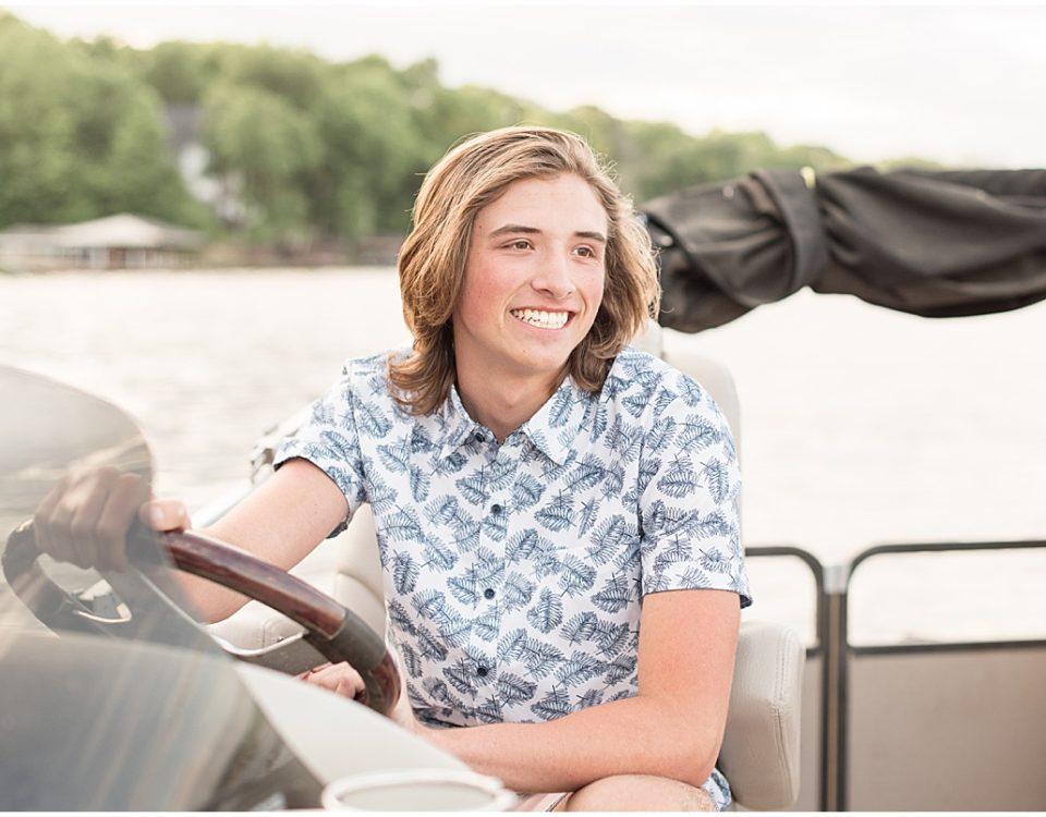 Senior Photos on Lake Freeman in Monticello, Indiana