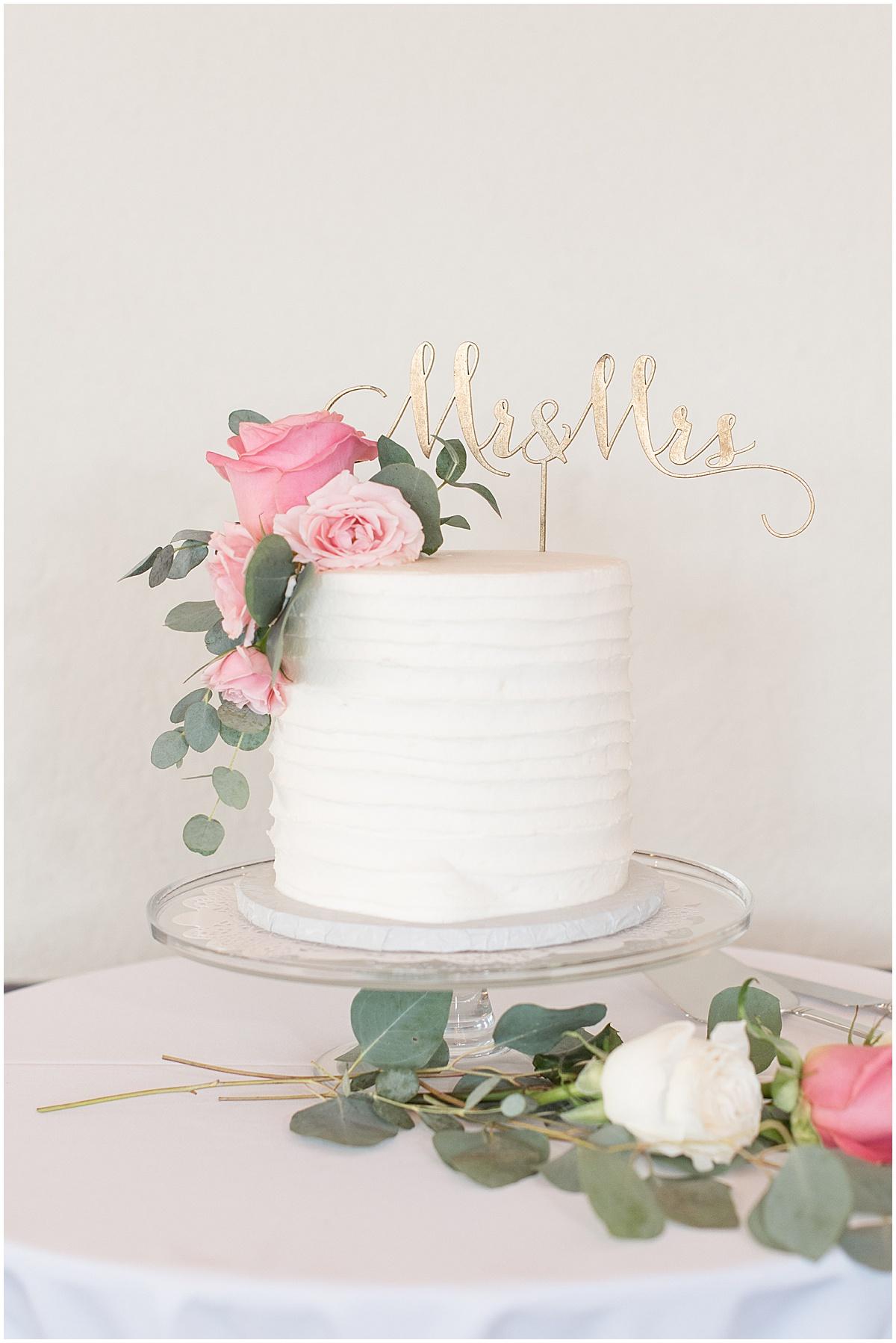 Cake of Spohn Ballroom wedding in Goshen, Indiana