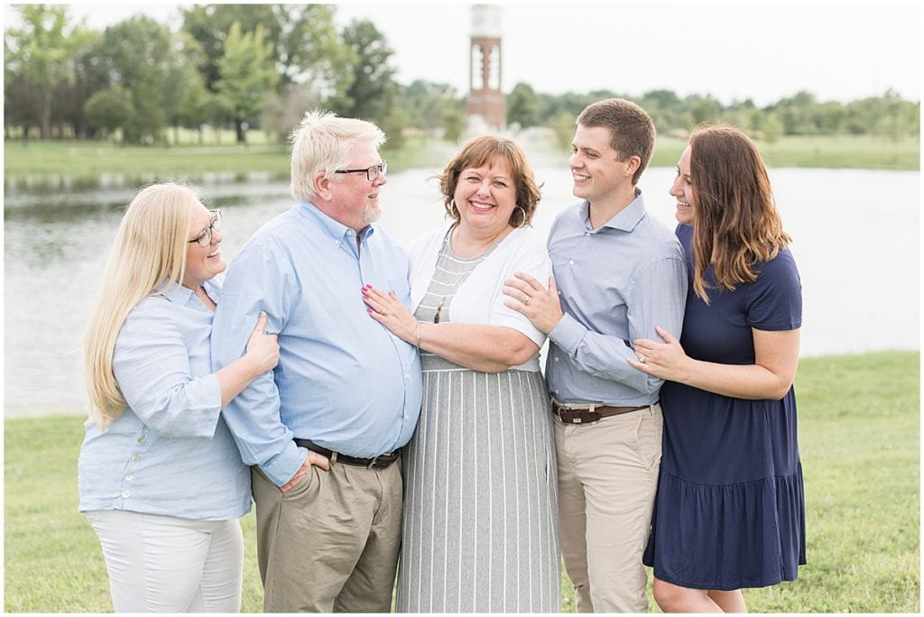 Extended family photos at Coxhall Gardens in Carmel, Indiana