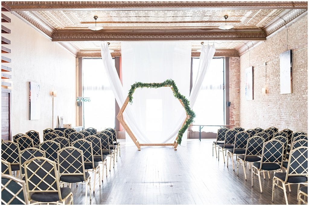 Ceremony details of eMbers Venue in Rensselaer, Indiana