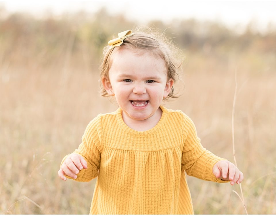 Fall family photos at Fairfield Lakes Park in Lafayette, Indiana