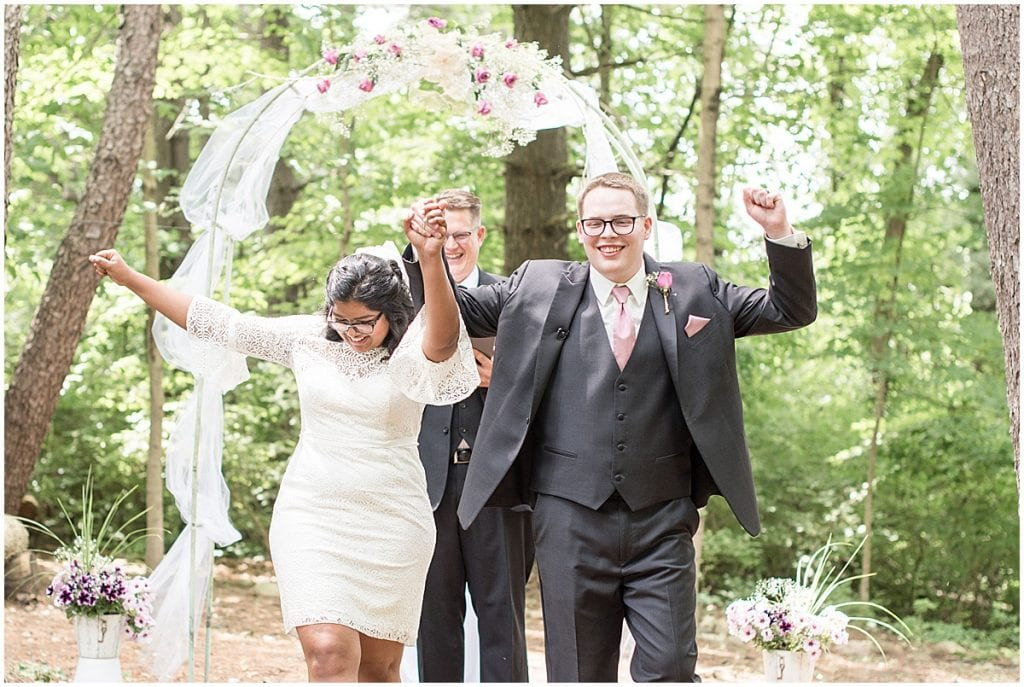 COVID backyard wedding in West Lafayette, Indiana by Victoria Rayburn Photography