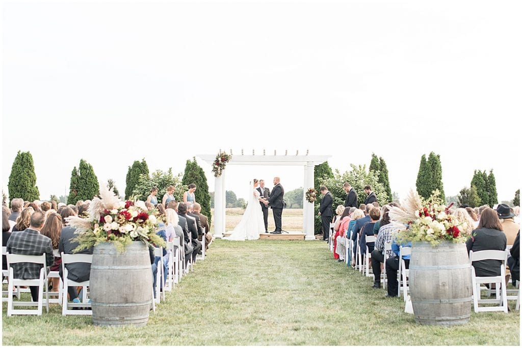 Meadow Springs Manor wedding in Francesville, Indiana by Victoria Rayburn Photography
