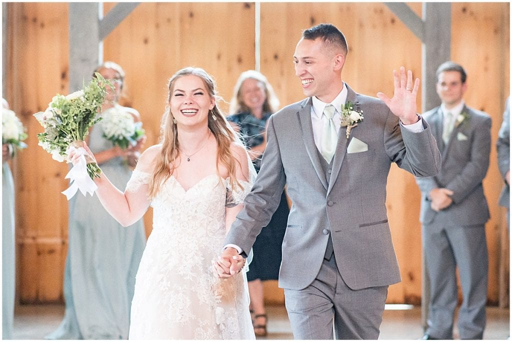 Just married couple at Whippoorwill Hill wedding in Bloomington, Indiana by Victoria Rayburn Photography