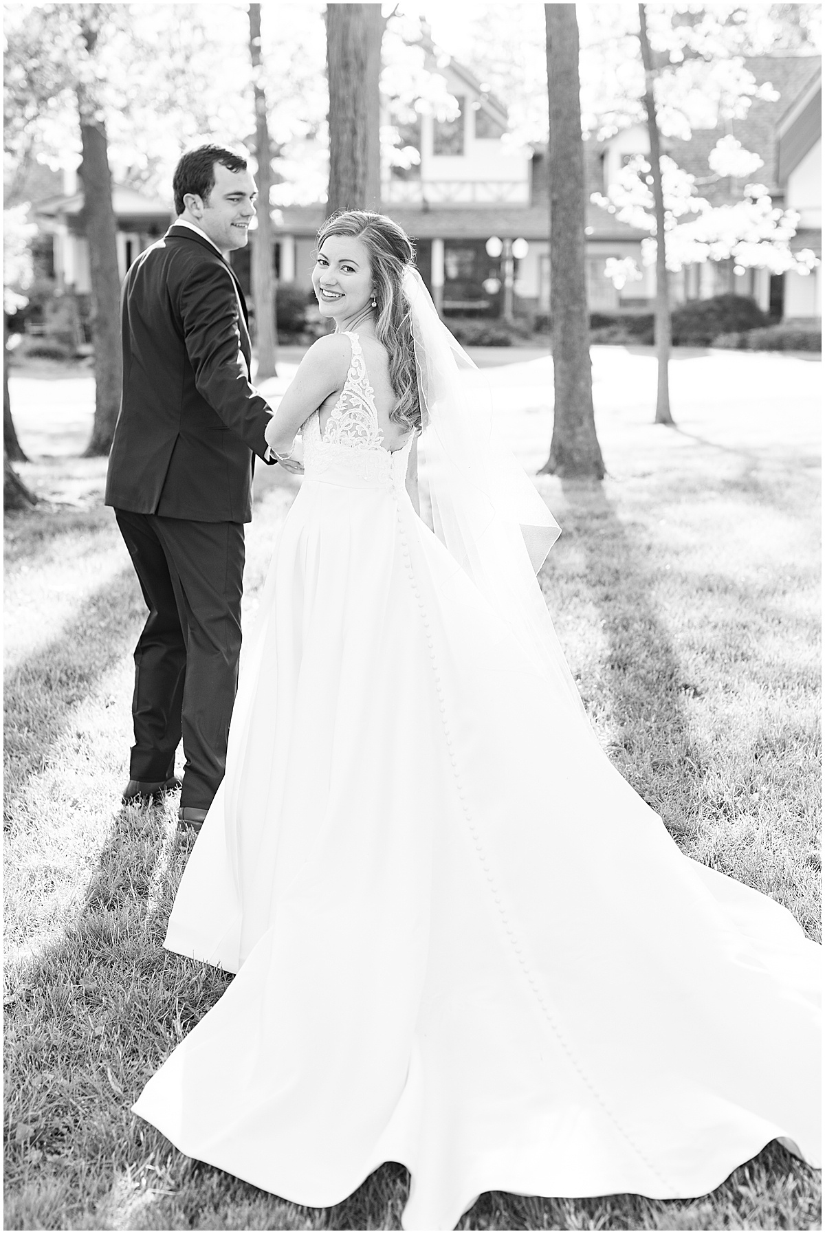 Just married photos after Lizton Lodge Wedding in Lizton, Indiana
