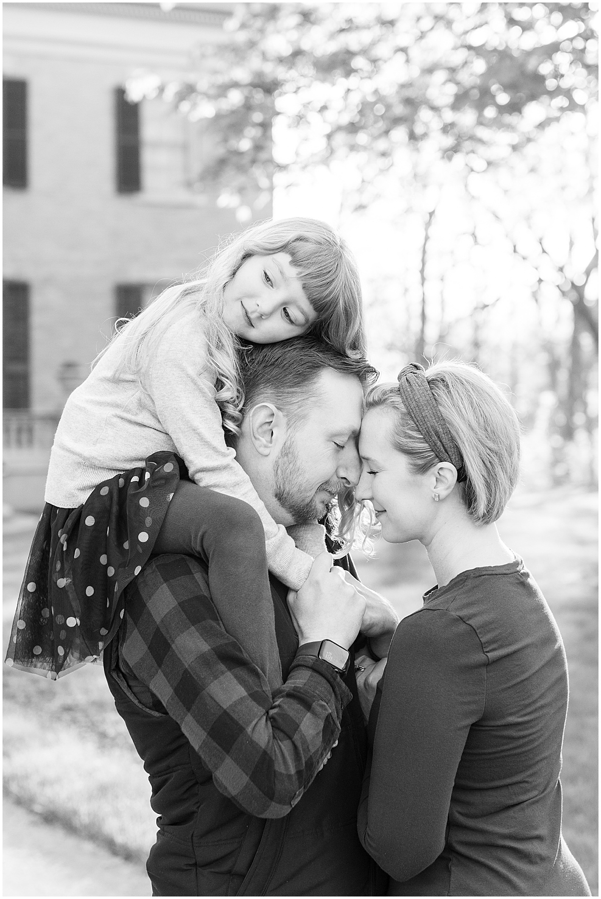 Spring family photos at The Haan Mansion in Lafayette, Indiana