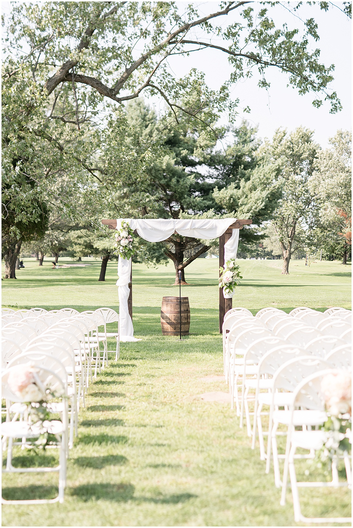 Details of wedding at The Edge in Anderson, Indiana